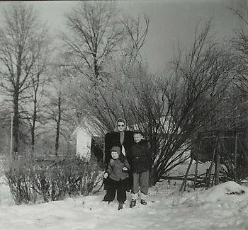 John, Florence, Jeanne Lawrence 1951-2