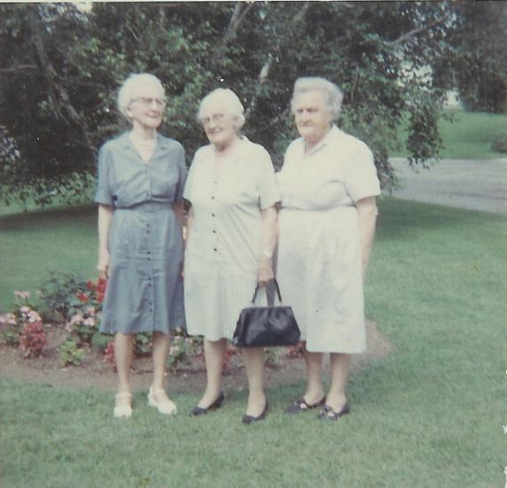 Masie Relyea, Pearl Lawrence, Mina Beecher